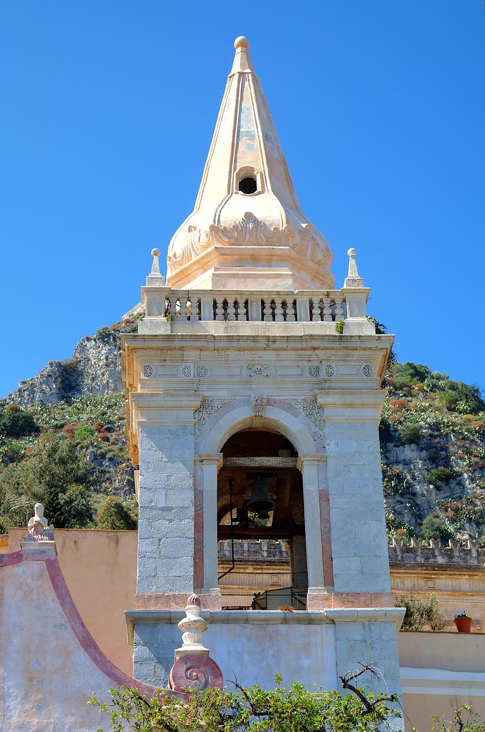De klokkentoren van de San Giuseppe kerk