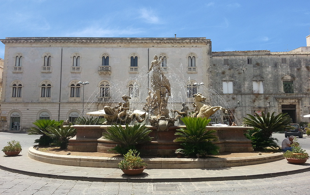 De Piazza Archimede in Ortigia