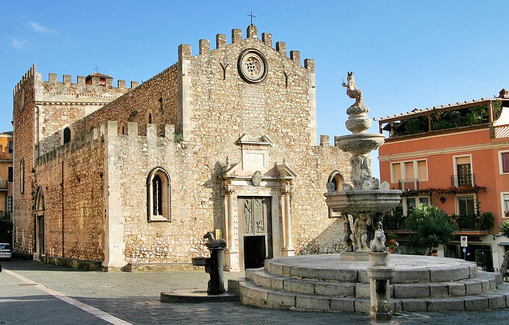 De kathedraal van Taormina