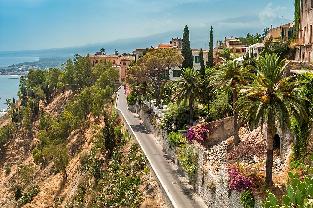 Een kustweg in Taormina