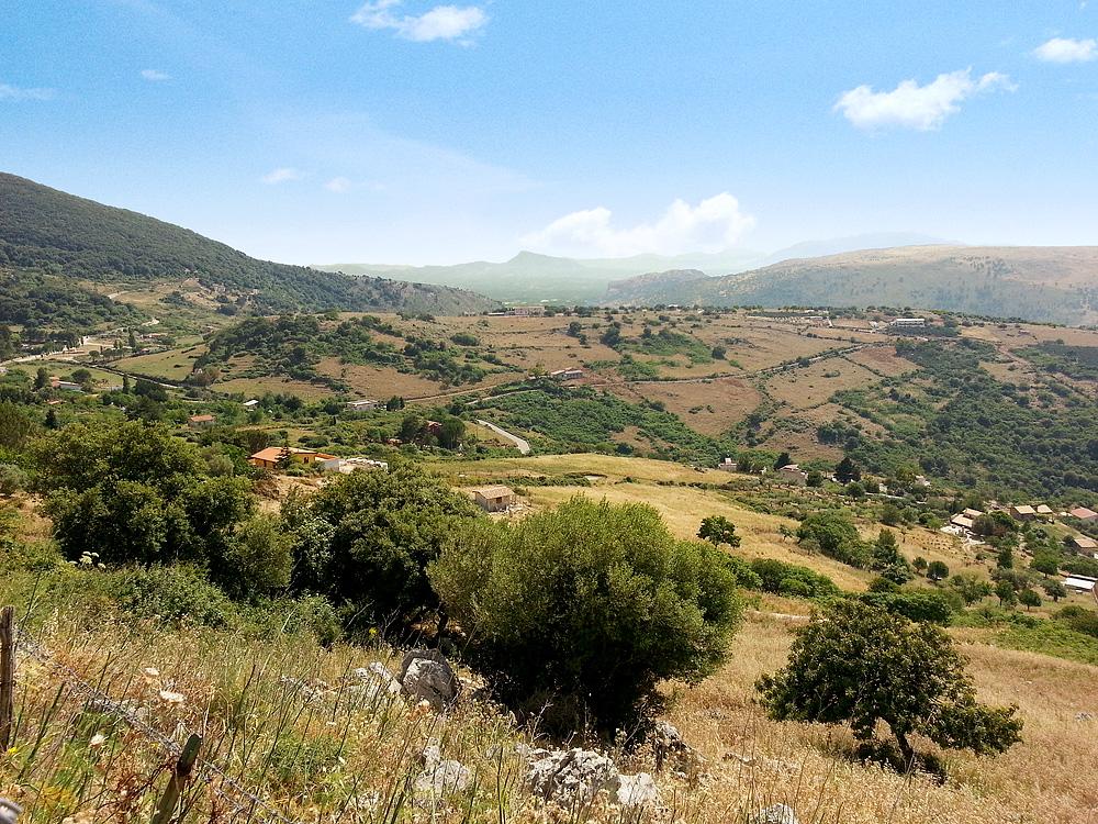 In de bergen boven het plaatsje Inici op Sicilië
