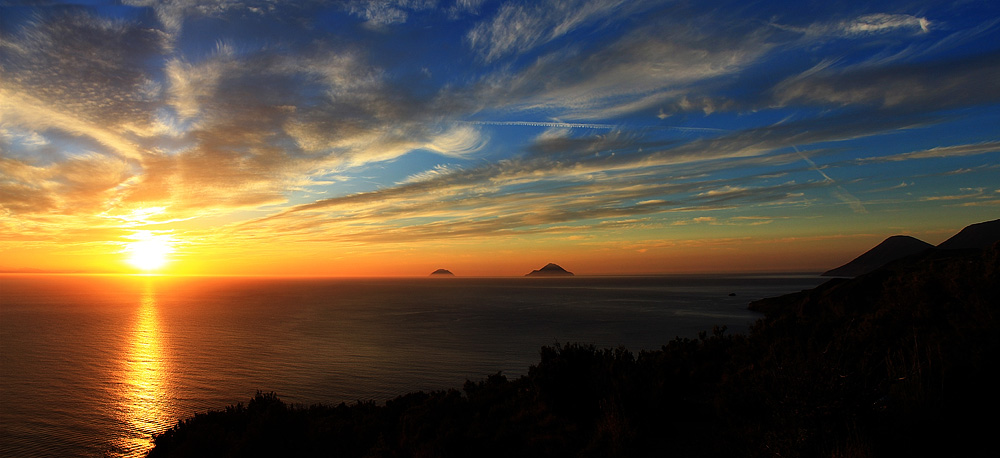 A sunset as seen from the island of Lipari