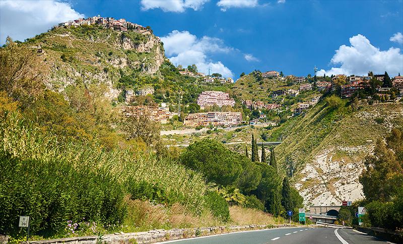 In de buurt van Taormina
