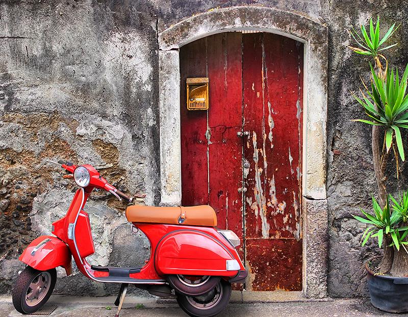 A motorino in Taormina